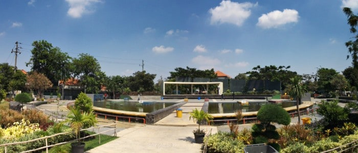 Taman Surabaya Taman Mundu