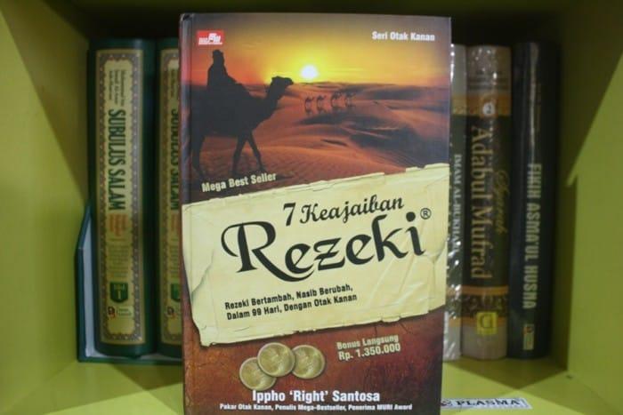 7 Contoh Resensi Buku Pengetahuan Terbaru Sesuai Eyd