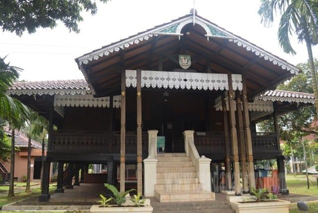 Rumah Adat Bengkulu Rumah Rakyat