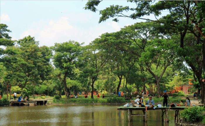 Taman Surabaya Taman Flora