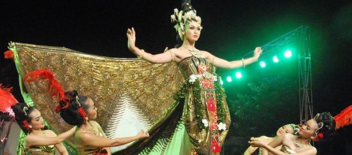 Tari Merak Berasal dari Jawa Barat Indonesia