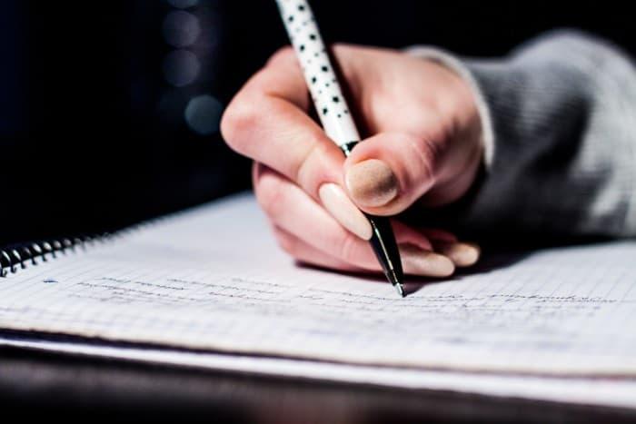 Pengertian Essay Secara Lengkap