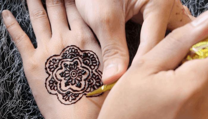 Motif Henna Tangan Gampang