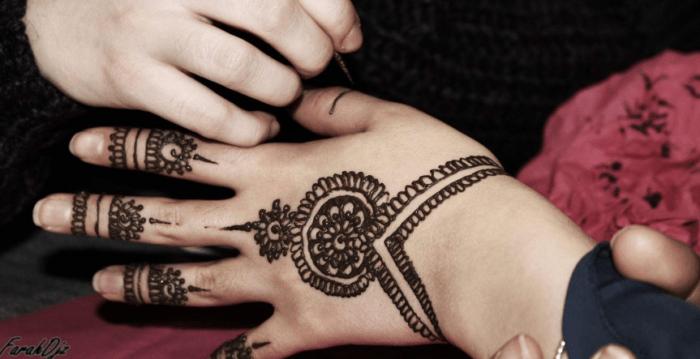 Motif Henna Tangan Simple