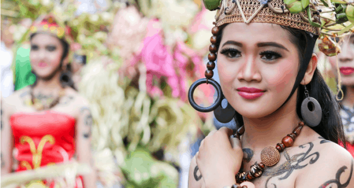 Perempuan Suku Dayak