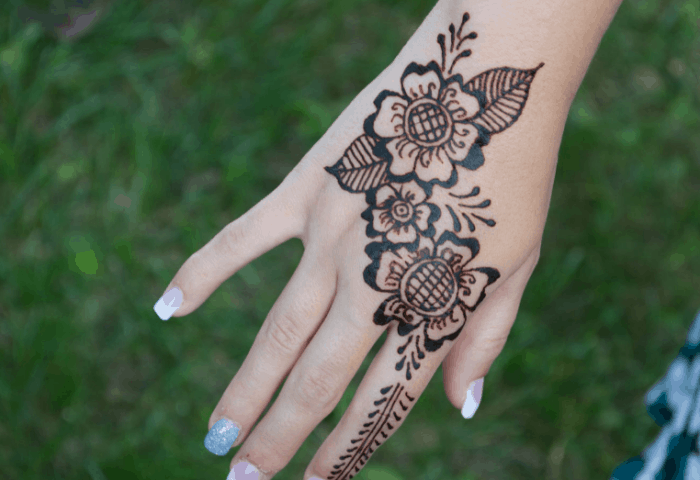 Gambar Mahendi Tangan
