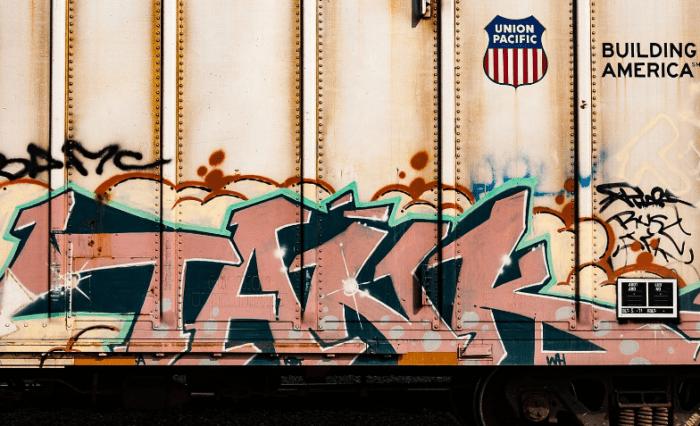 Gambar Graffiti di Kertas