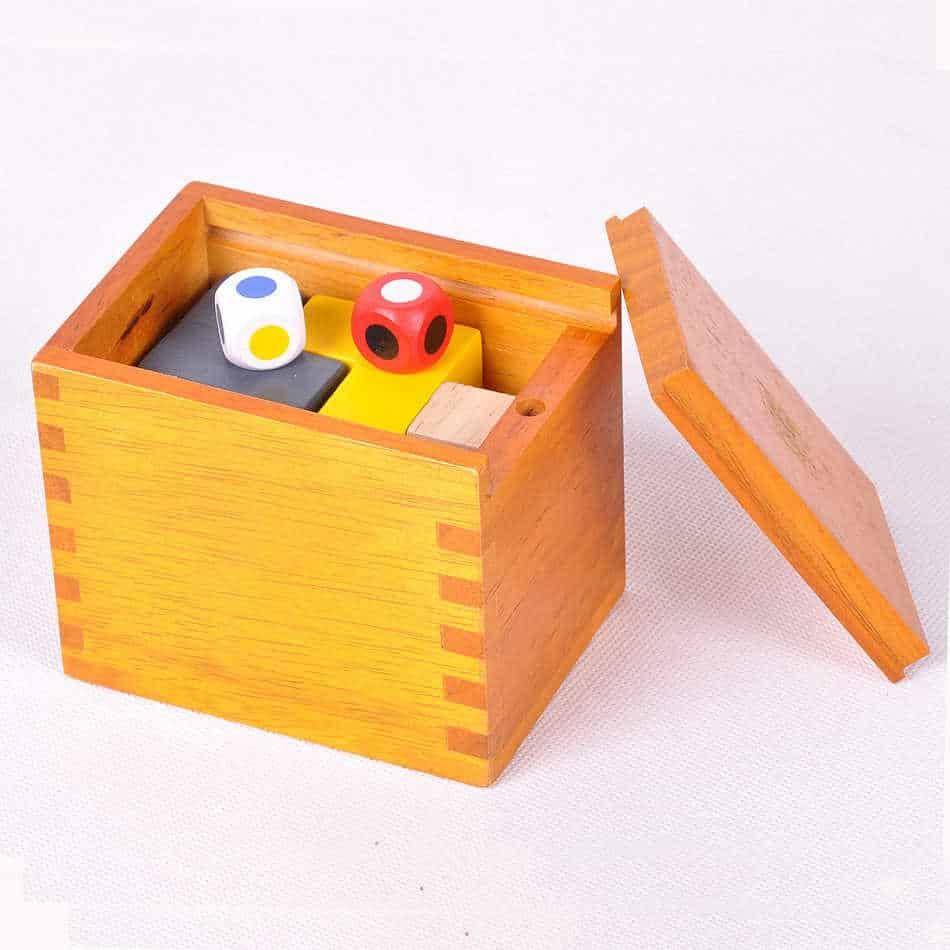 gambar Kotak Pandora & Mainan Puzzle