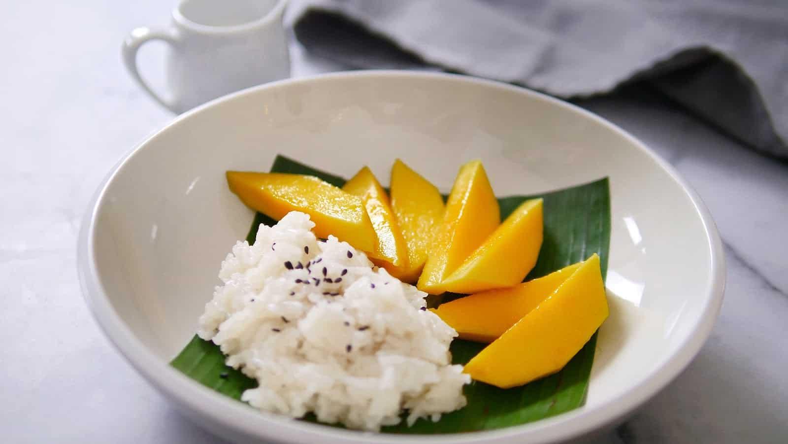 gambar makanan khas thailand Mango Sticky Rice