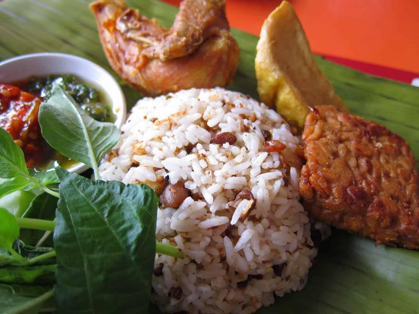 gambar makanan khas bandung Nasi Tutug Oncom