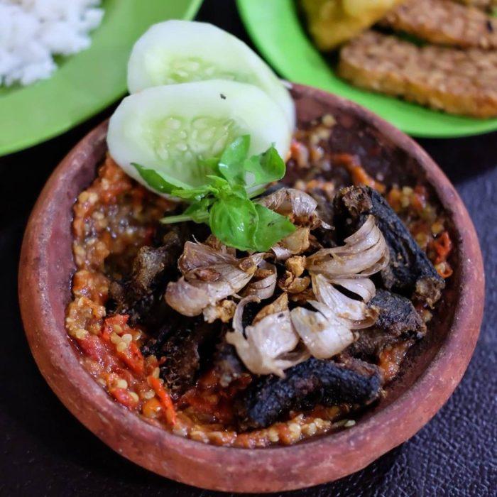 gambar makanan khas banten nasi sambal belut