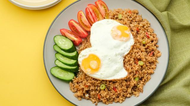 gambar makanan khas indonesia nasi goreng