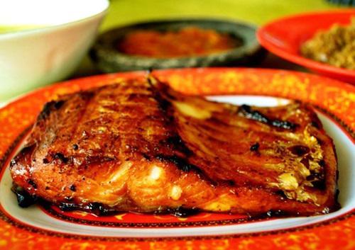 gambar makanan khas kalimantan tengah ikan jelawat bakar