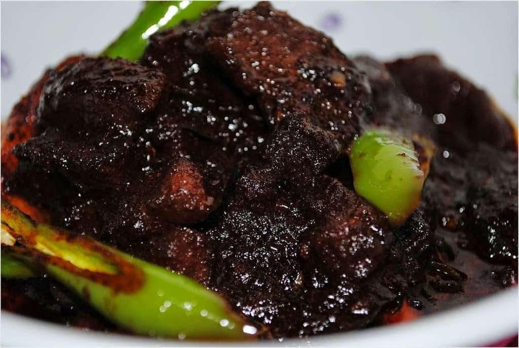 gambar makanan khas kalimantan timur Daging Masak Bumi Hangus