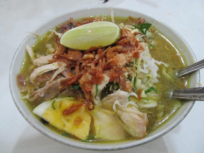 gambar makanan khas malang soto geprak
