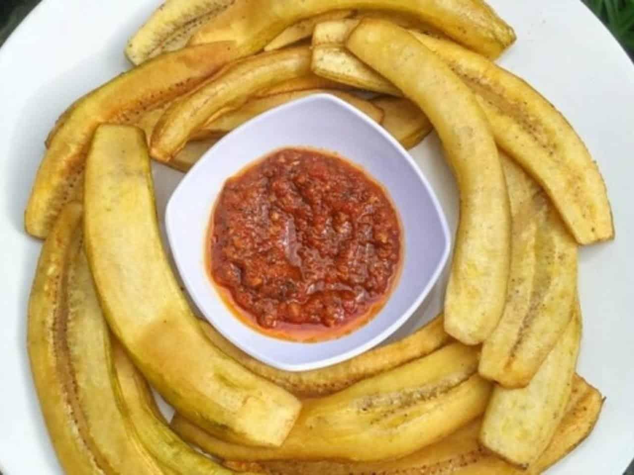 gambar makanan khas manado Pisang Goroho