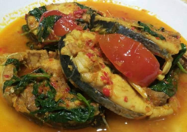 gambar makanan khas manado Woku Blanga