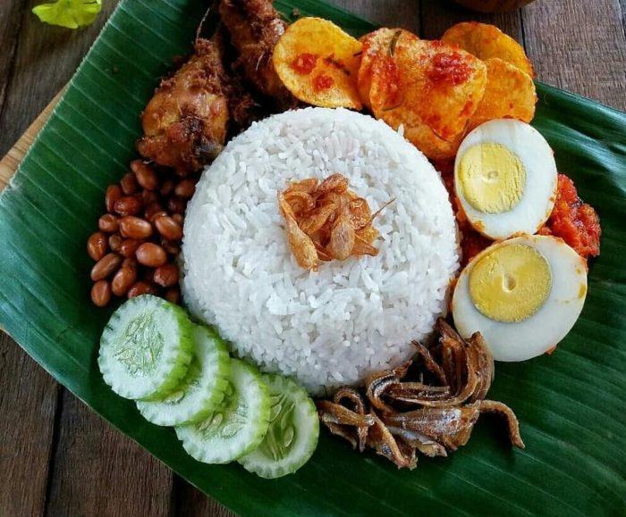 gambar makanan khas riau nasi lemak