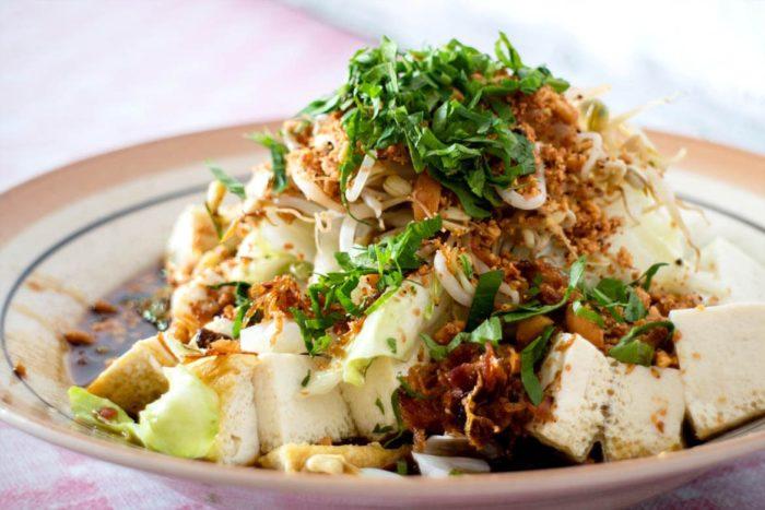 gambar makanan khas solo kupat tahu