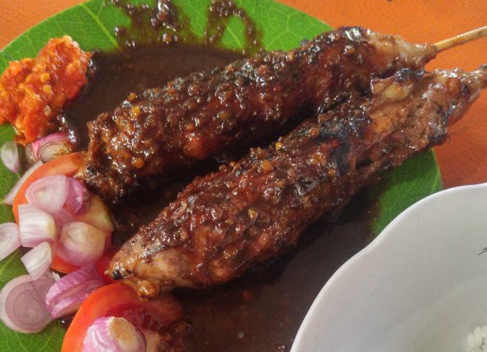 gambar makanan khas solo sate buntel