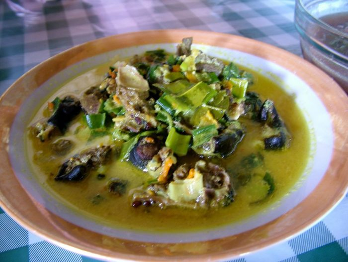 gambar makanan khas sulawesi utara paniki