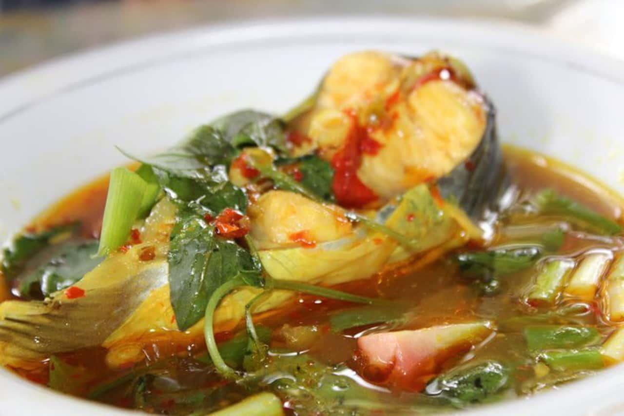 gambar makanan khas sumatera selatan pindang