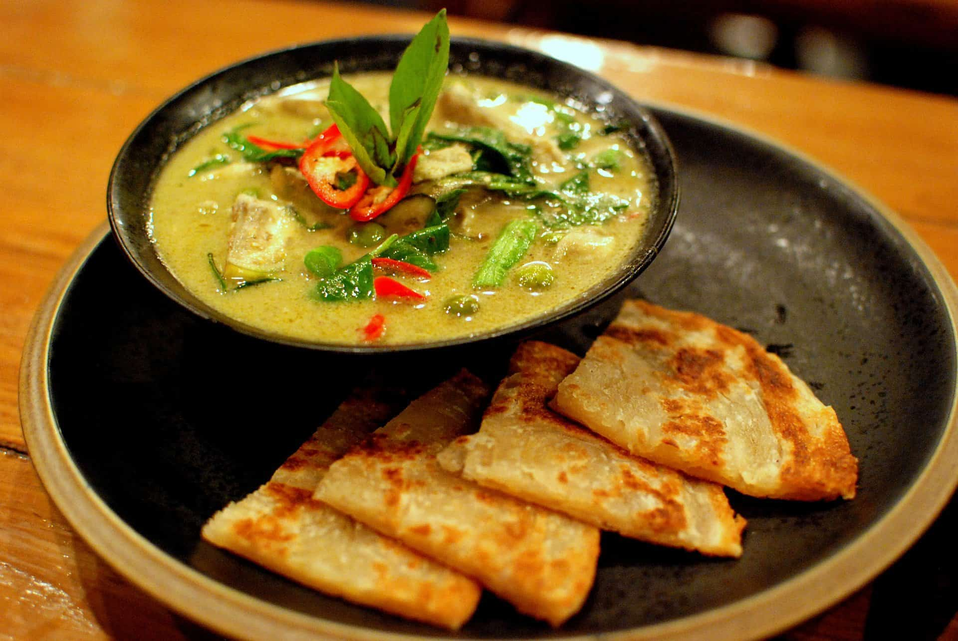 gambar makanan khas thailand Kaeng Khiao Wan