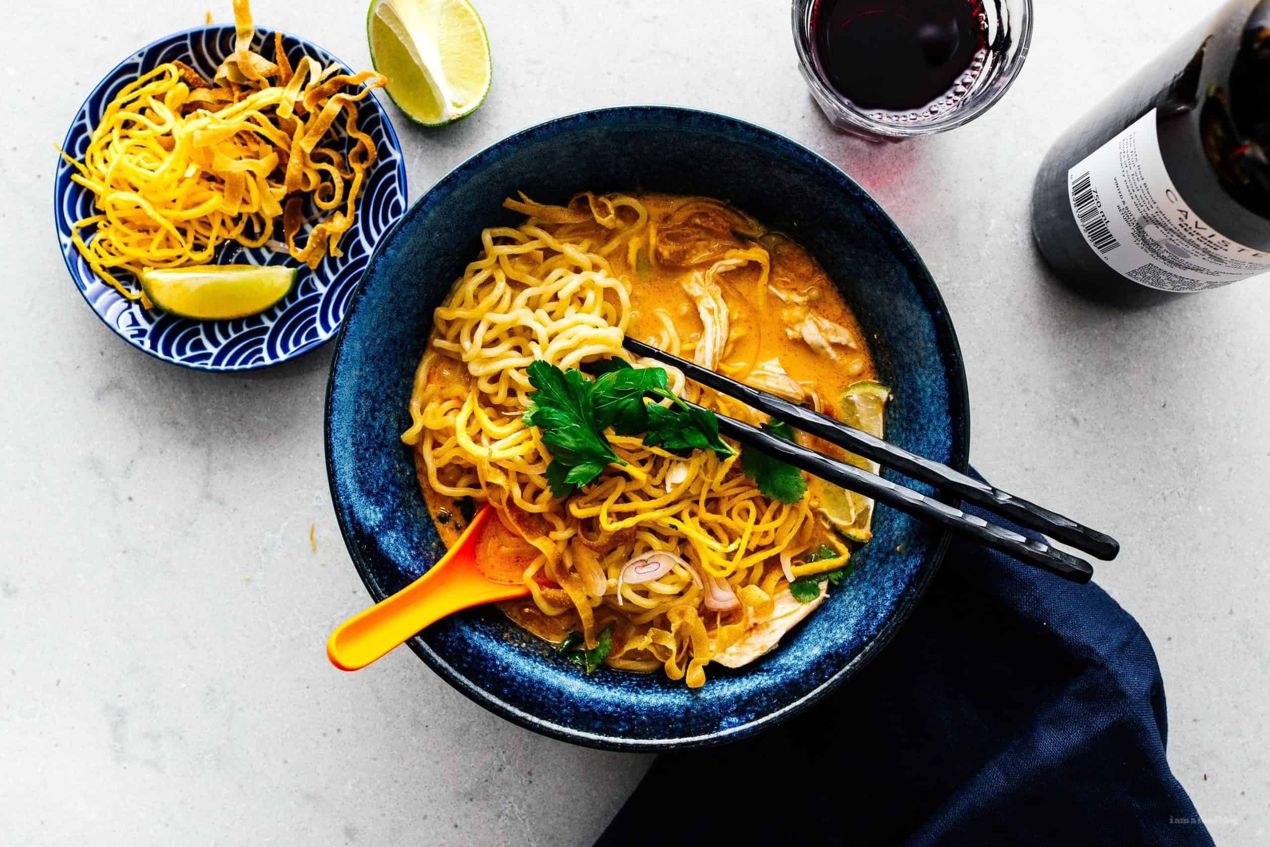 gambar makanan khas thailand Khao Soi