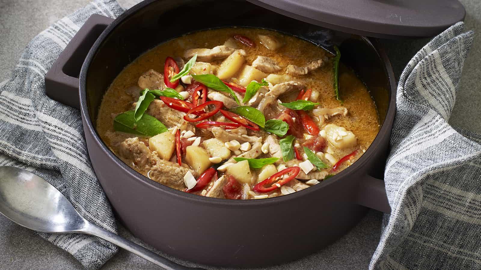 gambar makanan khas thailand Massaman Curry