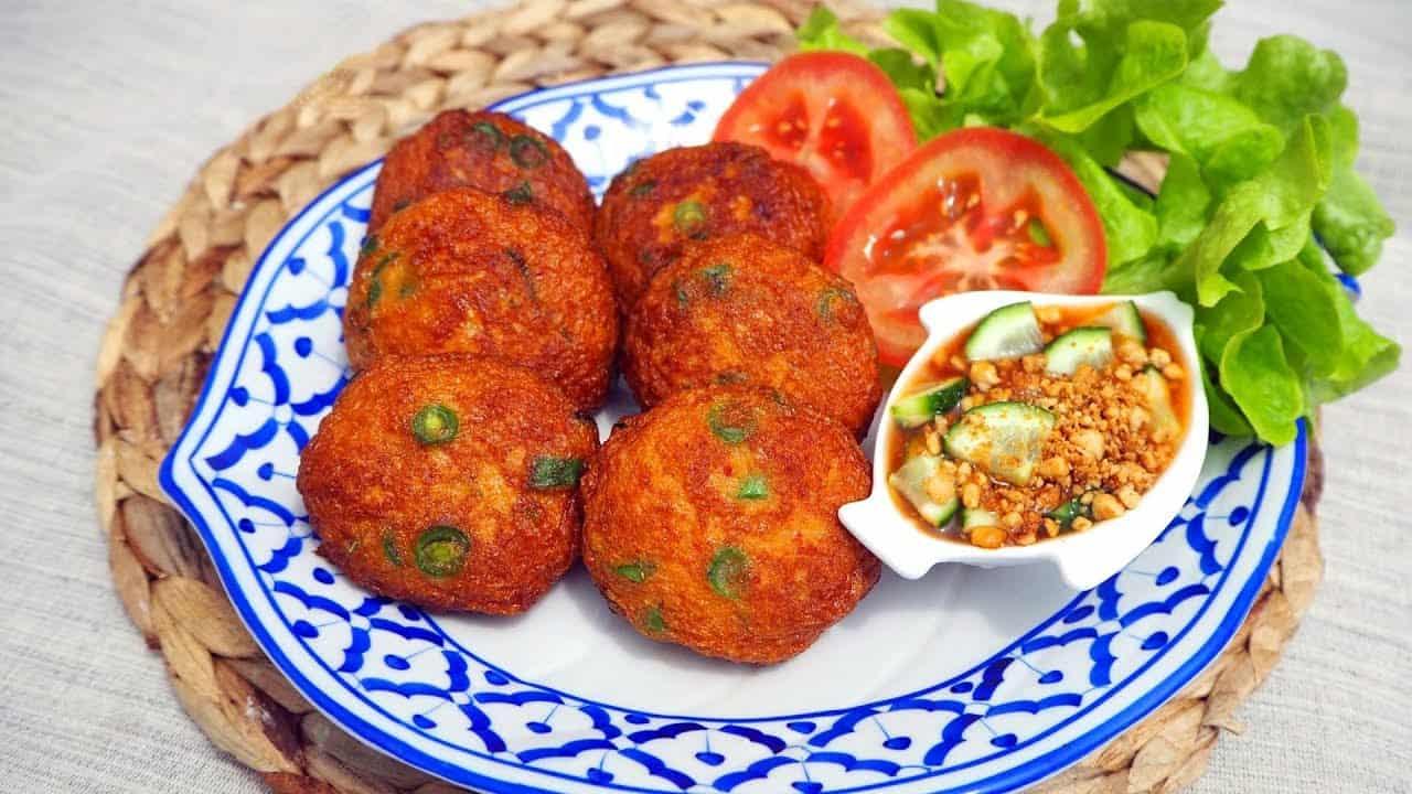 gambar makanan khas thailand Tod Man Pla