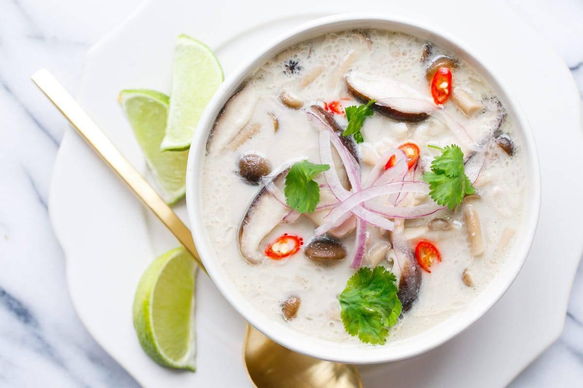 gambar makanan khas thailand tom Kha Kai