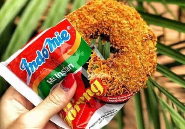 gambar makanan kekinian Donat Indomie