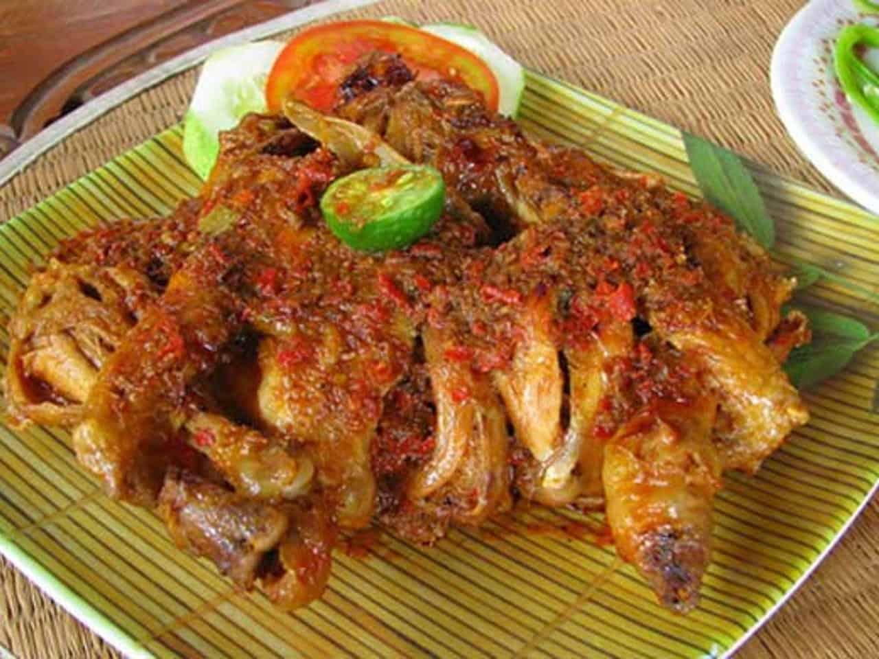 gambar makanan khas bali Ayam Betutu