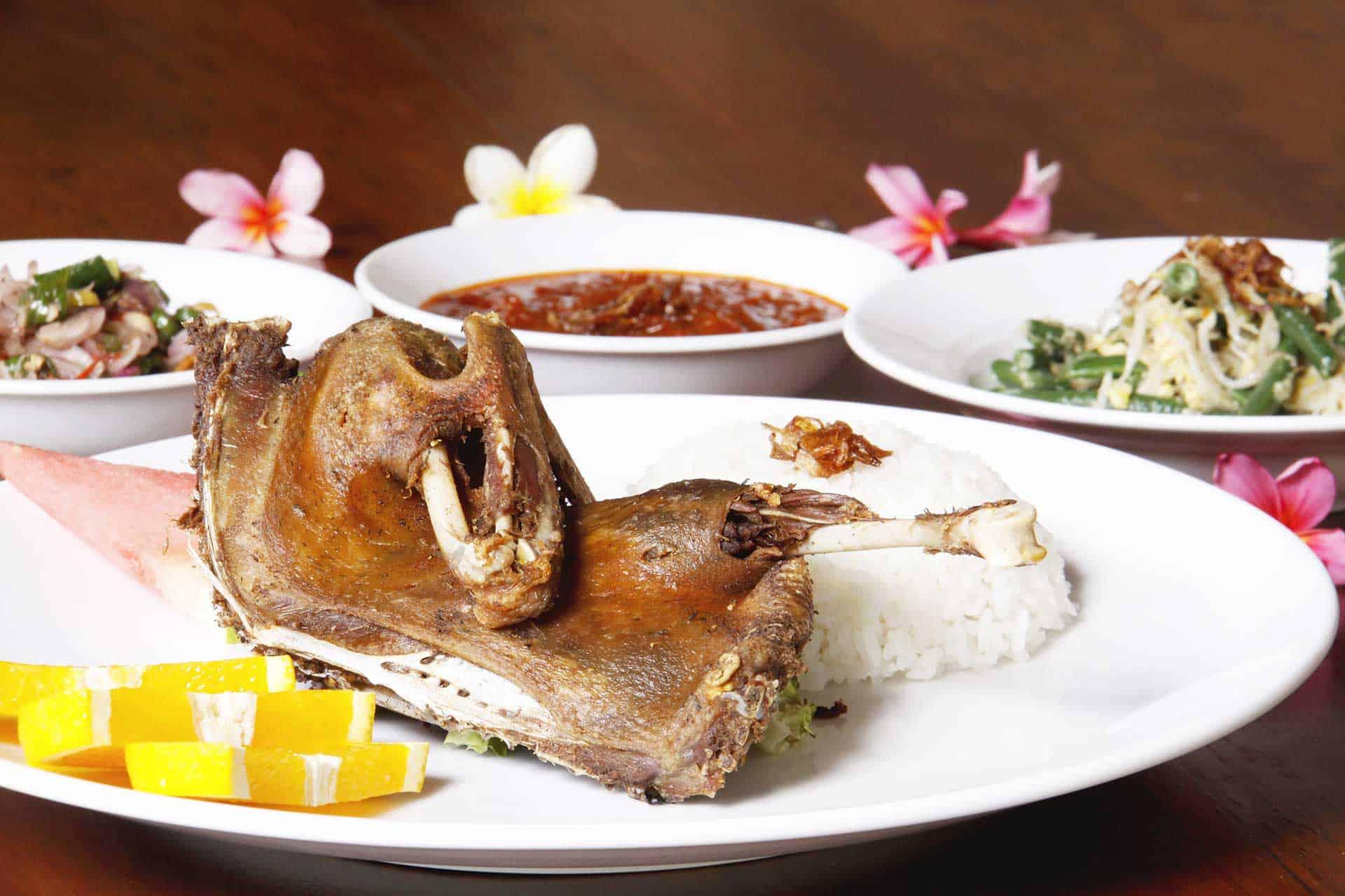 gambar makanan khas bali Bebek Bengil