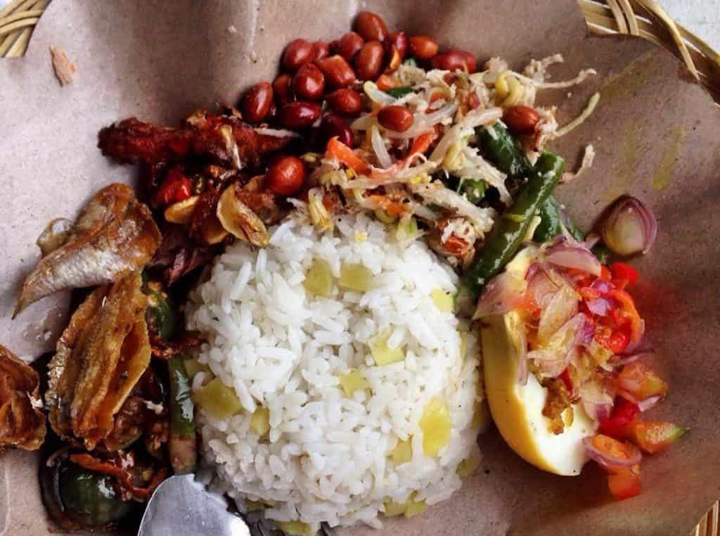 gambar makanan khas bali Nasi Sela