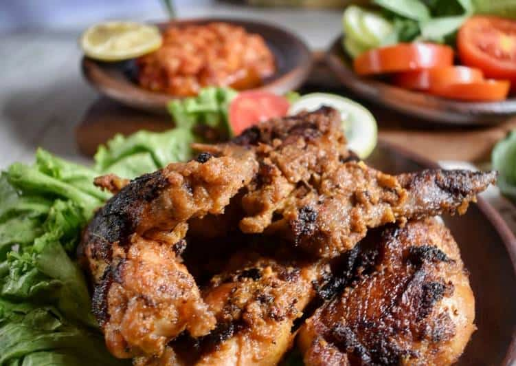 gambar makanan khas gorontalo Ayam Iloni