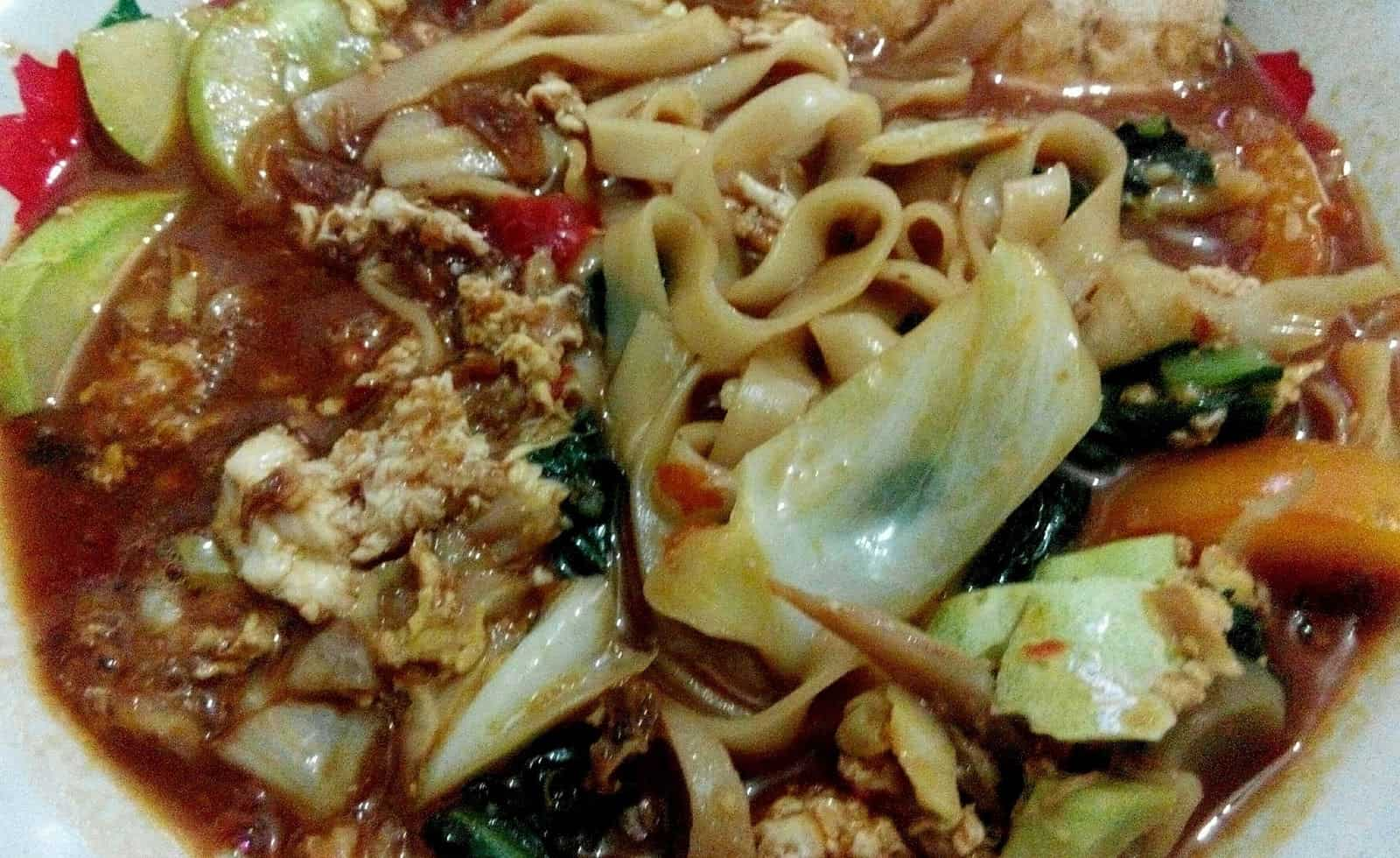 gambar makanan khas kalimantan barat Kwe Tiaw Rebus
