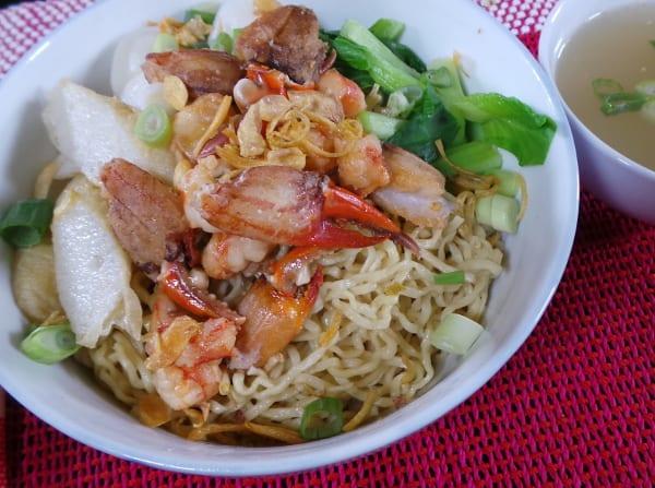 gambar makanan khas kalimantan barat Mie Kepiting