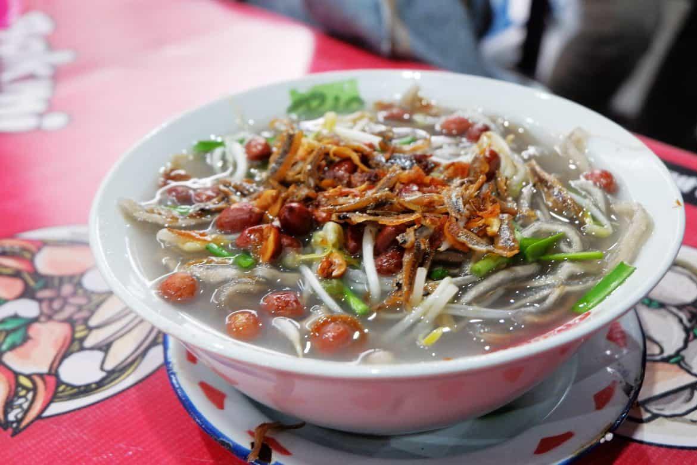 gambar makanan khas kalimantan barat Mie Sagu