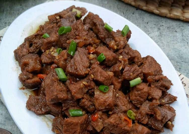 gambar makanan khas ntt Daging Belacang