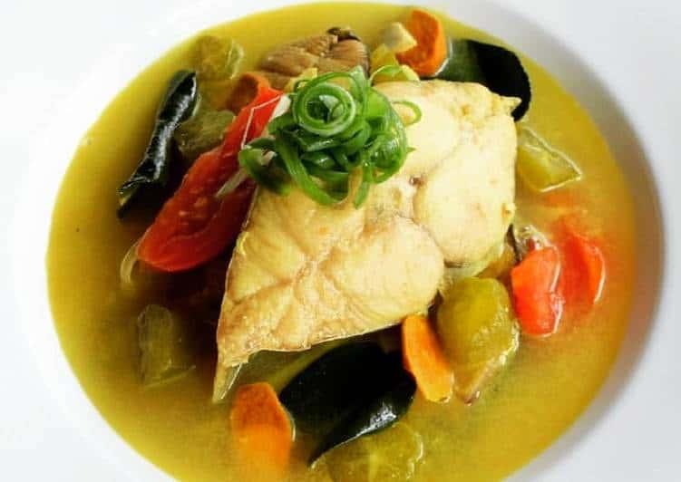gambar makanan khas ntt Ikan Kuah Belimbing