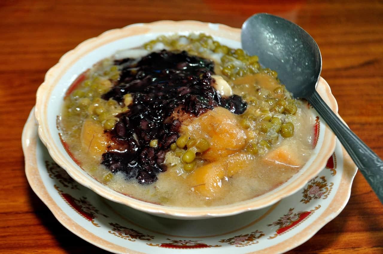 gambar makanan khas sumatera barat Bubur Kampiun