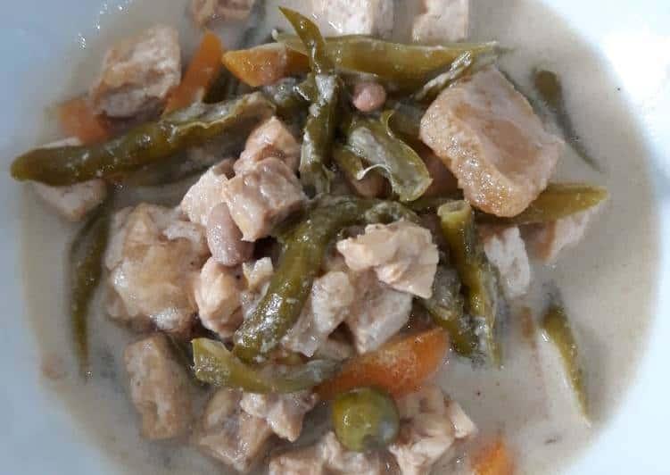gambar makanan khas sumatera barat Gulai Tauco
