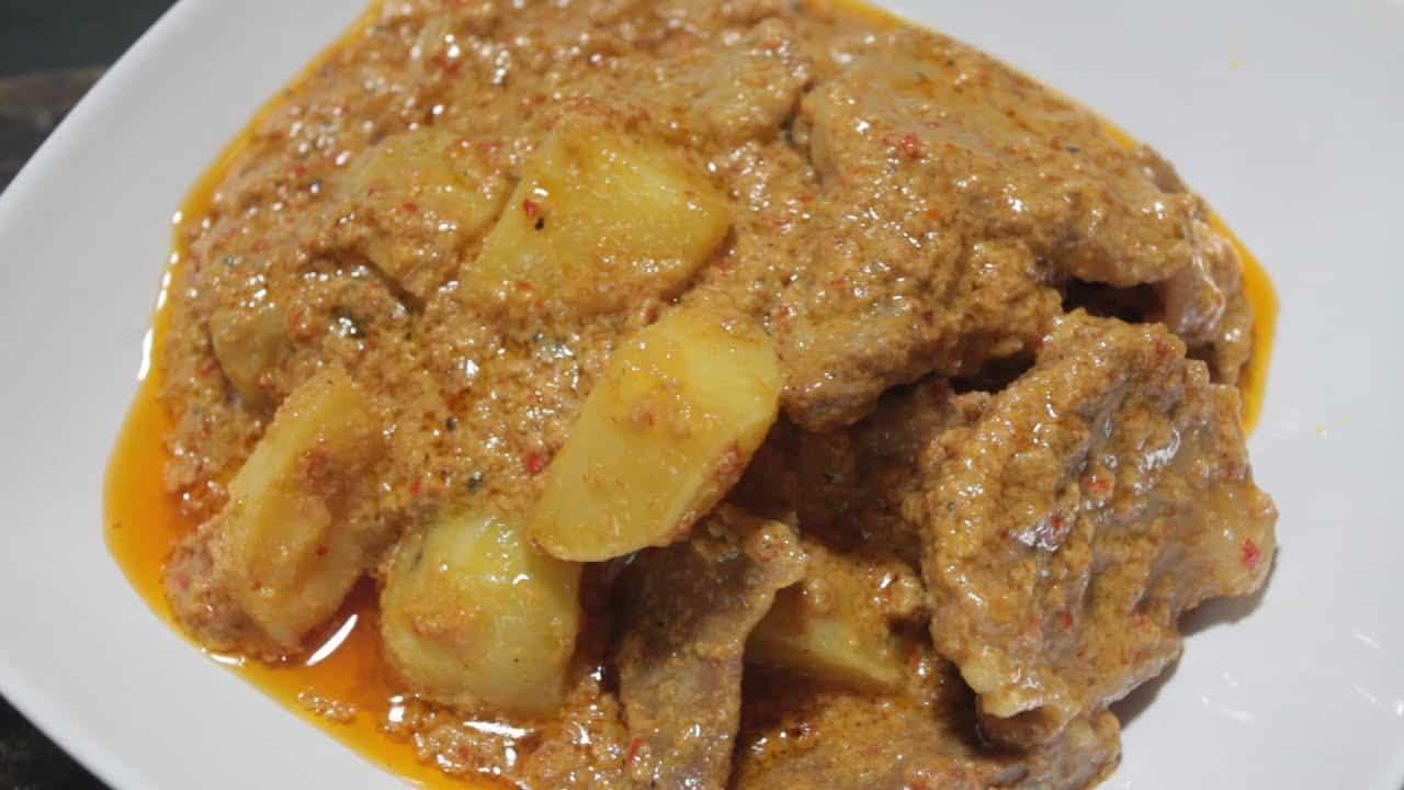 gambar makanan khas sumatera barat Kalio Baluik