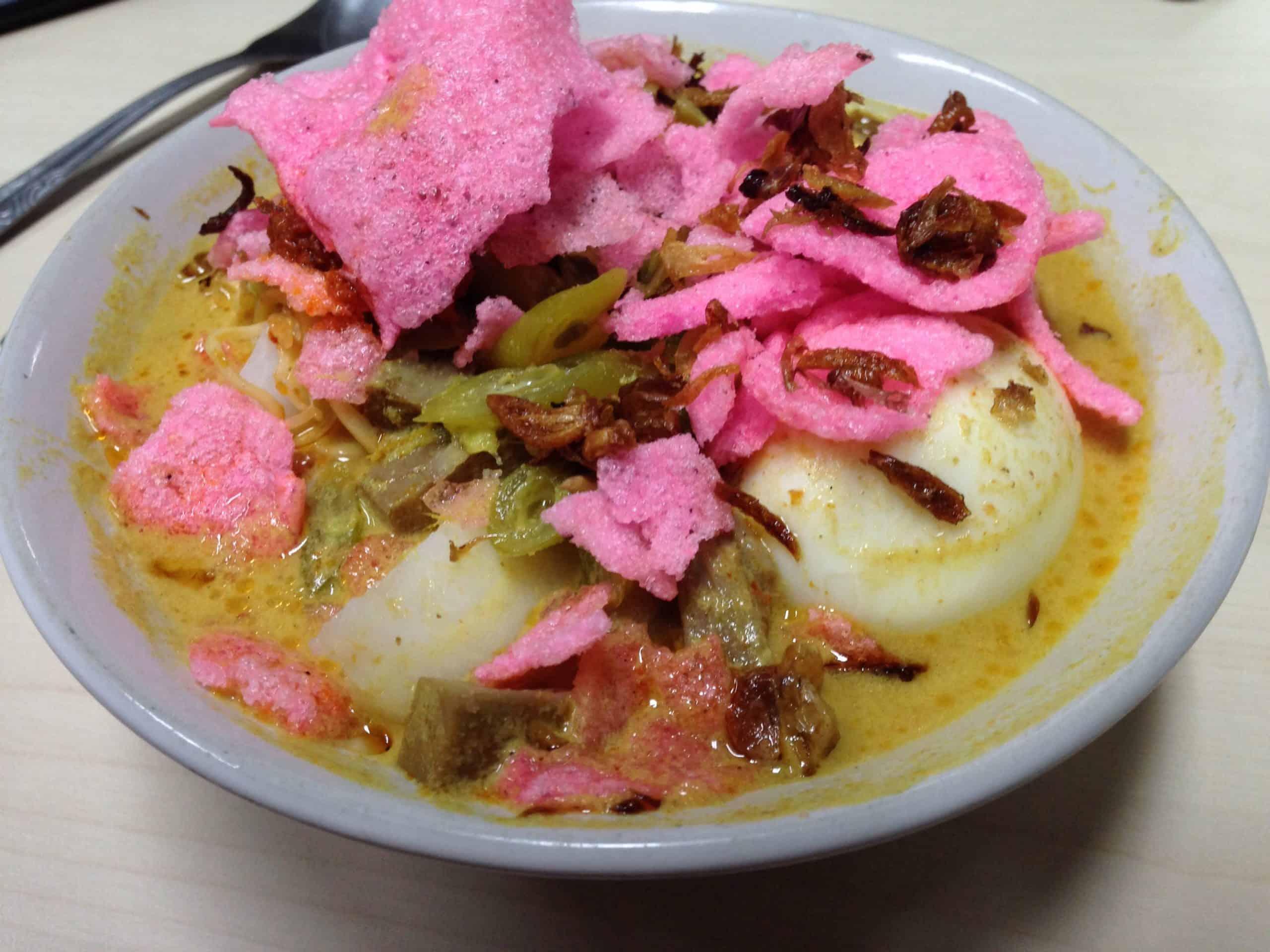gambar makanan khas sumatera barat Lontong Padang