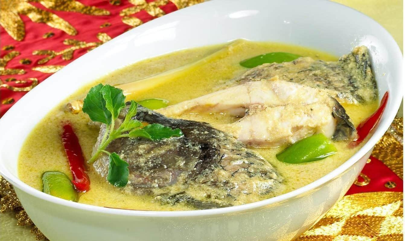 gambar makanan khas sumatera barat Pangek Ikan