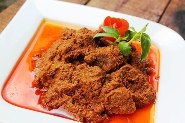 gambar makanan khas sumatera barat Rendang Daging