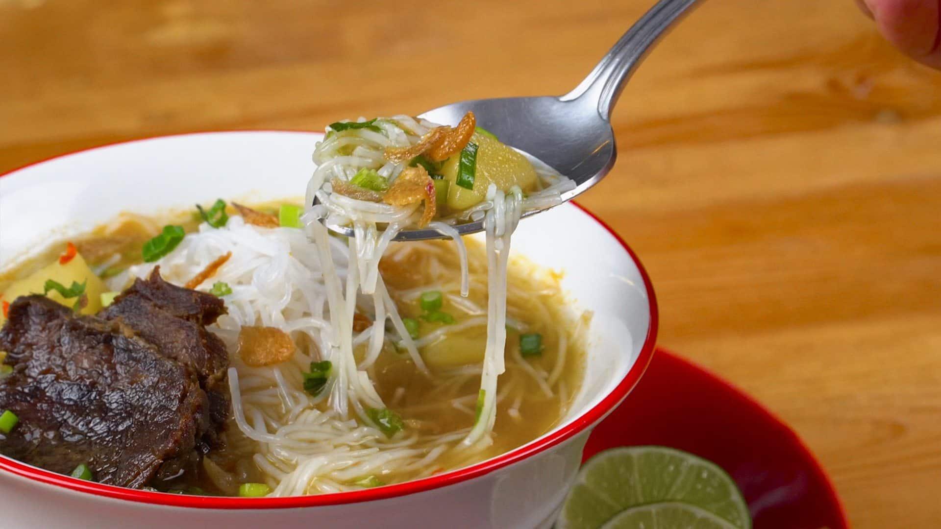 gambar makanan khas sumatera barat Soto Padang