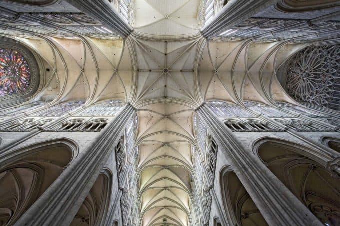 contoh seni rupa gotik