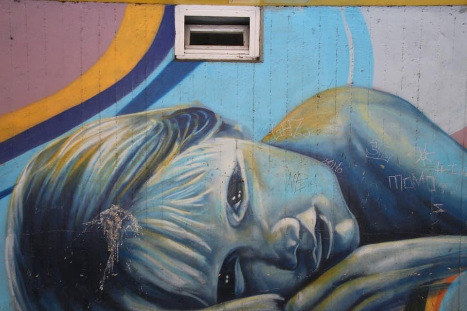 grafiti gadis tidur